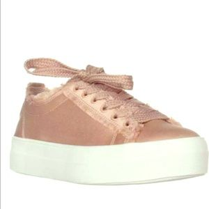 steve madden greyla lace-up sneakers